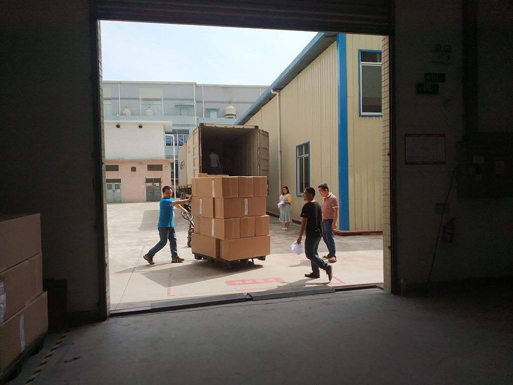Joysway Factory Shipping Container Goods to Customer2
